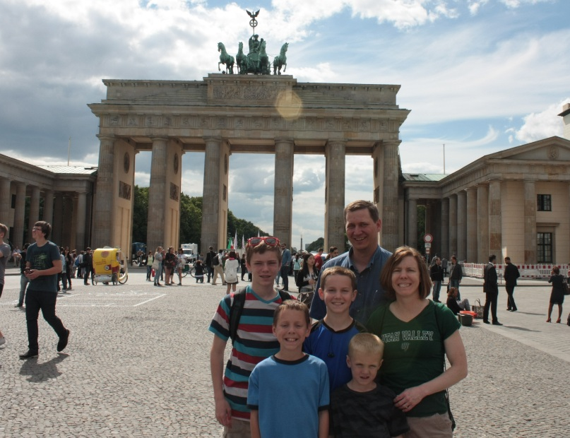 The Packers in Berlin at the Brandenburg Gate!