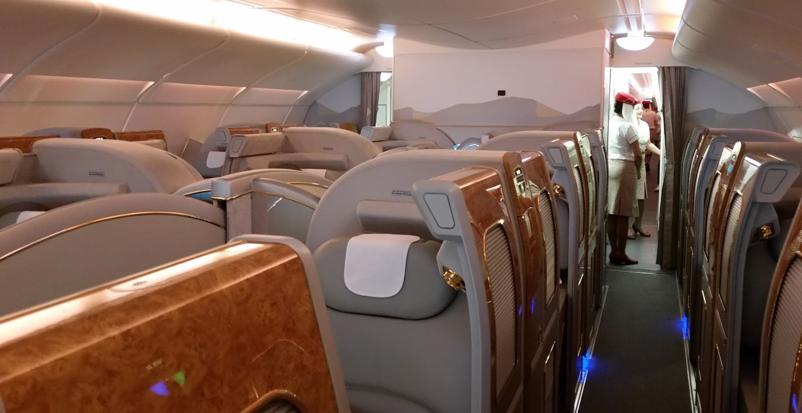 emirates-a380-first-class-review-suites-cabin