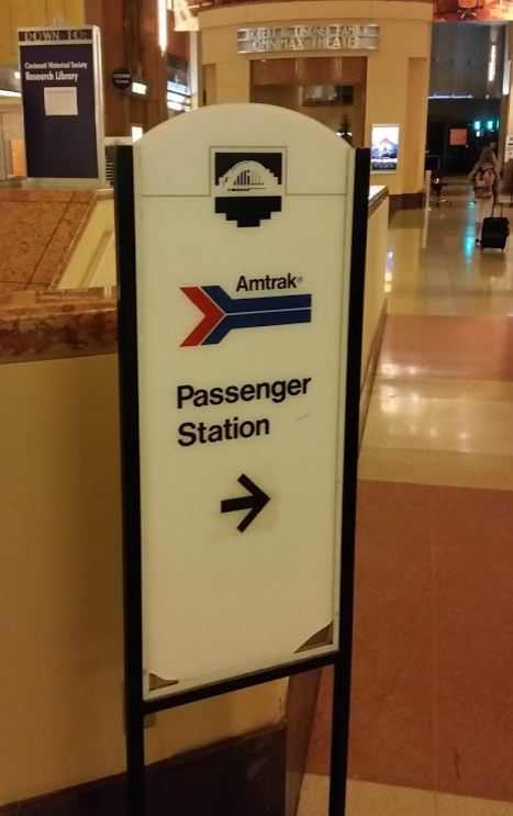amtrak-cincinnati-union-terminal-parking-boarding-sign