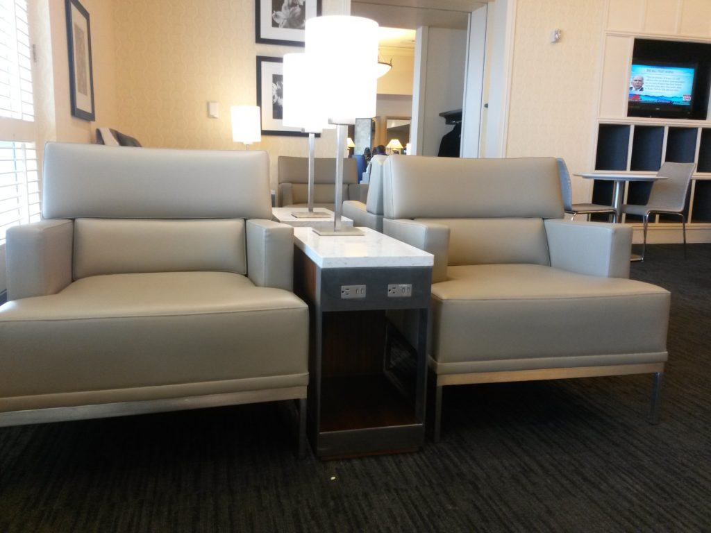 United Global First Lounge SFO - Chairs