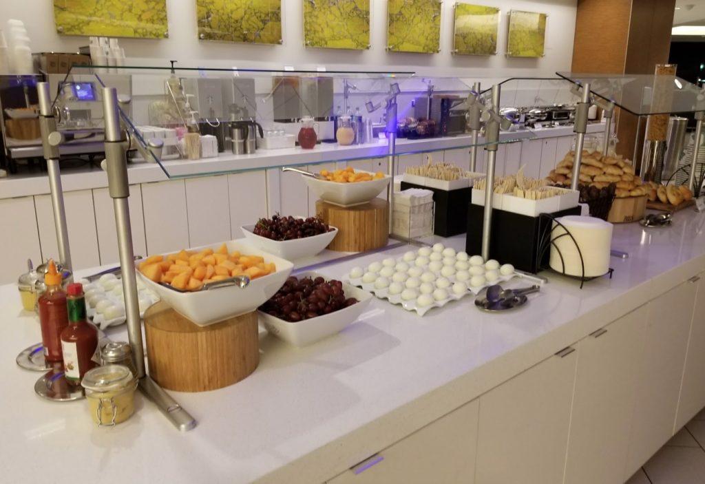 delta-sky-club-atlanta-airport-terminal-e-food